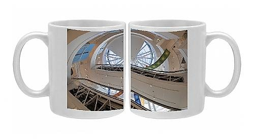 photo-mug-of-trendy-shop-interior-crate-and-barrel-magnificent-mile-chicago-illinois