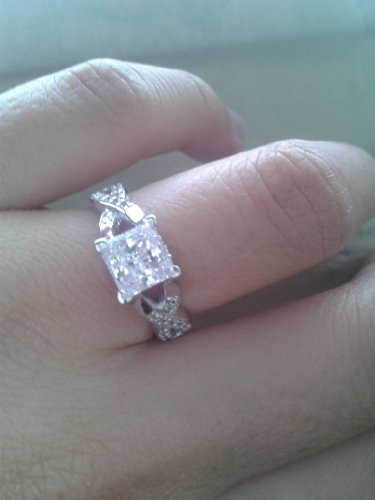 With Elegant Velvet Ring Box  1.5 Carat Princess Cut Solitaire Engagement Rings