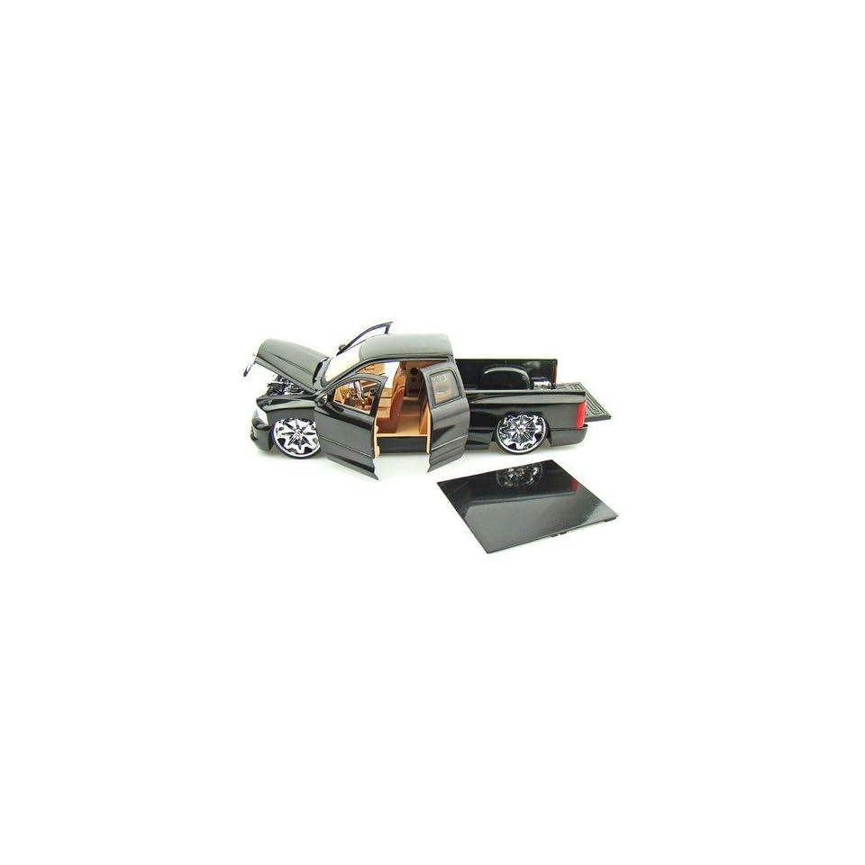Astro Van 118 Scale (Black)
