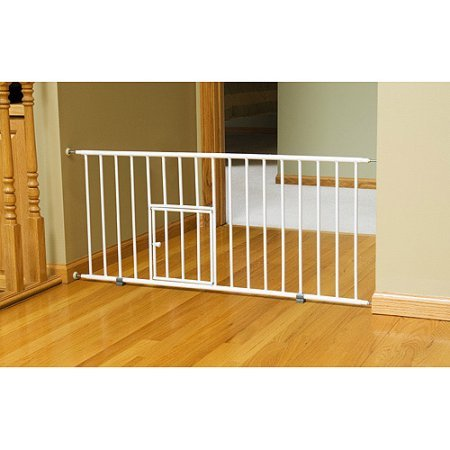carlson-mini-gate-with-pet-door