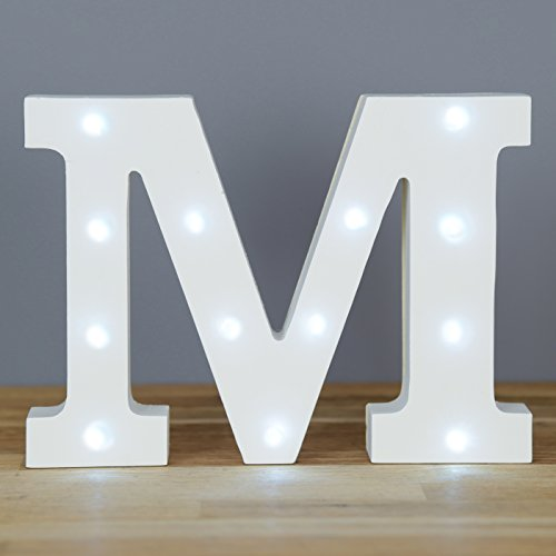 en-luces-decorativas-led-diseno-de-alfabeto-de-madera-en-color-blanco-letras-letra-m