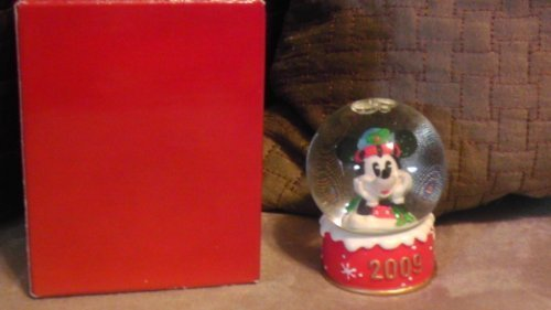 disney-mickey-mouse-2009-christmas-snowglobe-from-jc-penney-by-disney