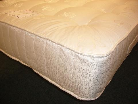 4ft6 Standard Double Pocket Spring Mattress.Pocketed Sprung Matress.Zoned (Firmer in Middle,Softer in Shoulder area)