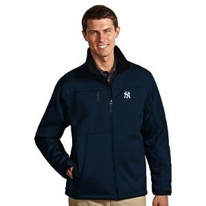 MLB New York Yankees Mens Traverse Jacket by Antigua
