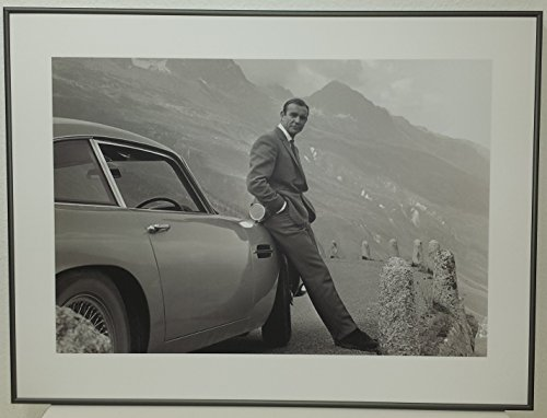bild-mit-rahmen-danjaq-and-eon-productions-james-bond-aston-martin-alimunium-platin-matt-80-x-60cm-p