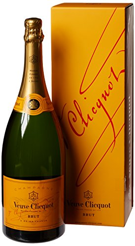 veuve-clicquot-yellow-label-brut-non-vintage-magnum-champagne-with-gift-box-150-cl