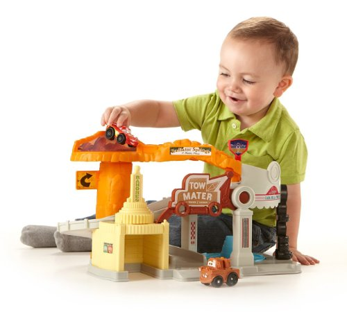 Fisher-Price Little People Wheelies: Cars Radiator Springs Playset - 1