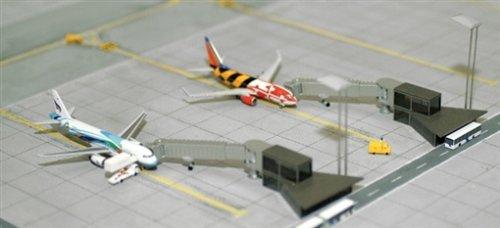 Herpa-520553-Miniaturmodell-Vorfeld-Ein-und-Ausstiegsstation