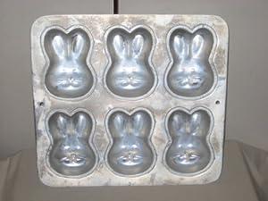 1992 Wilton 6 Miniature Bunnies Cake Baking Pan 2105-1426