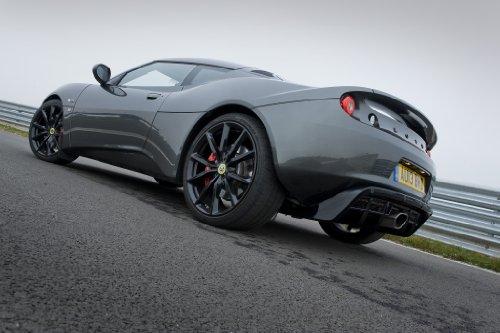 classic-y-los-musculos-de-los-coches-y-coche-lotus-evora-deportes-arte-toyric-2013-para-10-mil-poste