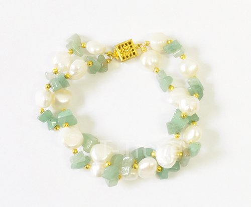 Freshwater Cultured Pearls and Jade Chip Bracelet 8 Inches Round