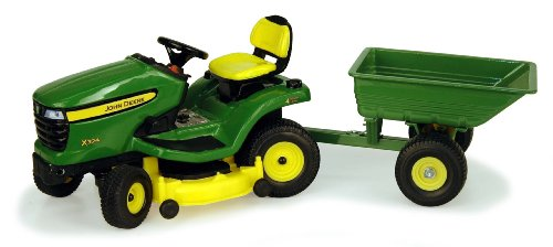 1:16 John Deere X324 Lawn Tractor With Cart