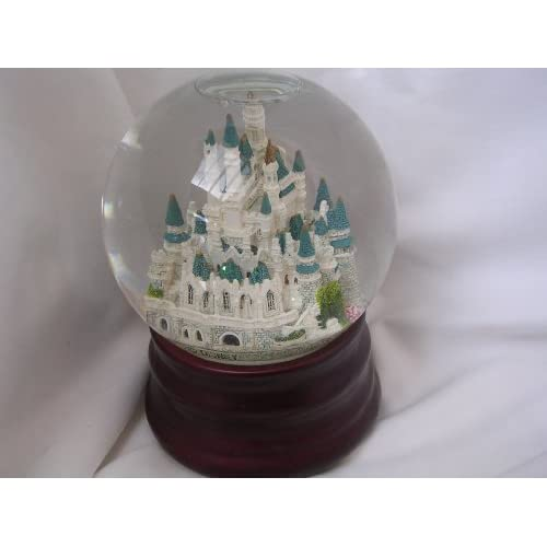 Music Box Snow Globe ; When You Wish Upon a Star ; Cinderella Castle