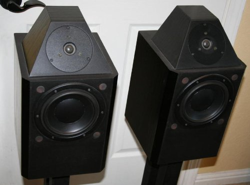 Pair Of Paragon Jubilee High Performance Monitor Speakers ~ State-Of-The-Art Build Quality ~ Linkwitz-Riley Crossovers, Cardas Wiring, And Dynaudio Drivers ~ With A Subwoofer, They Sound Like Amazing $6,000 Speakers
