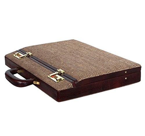 eco-friendly-ultra-sleek-lamborgini-briefcase-clubb