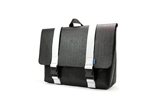 peter-messenger-bag