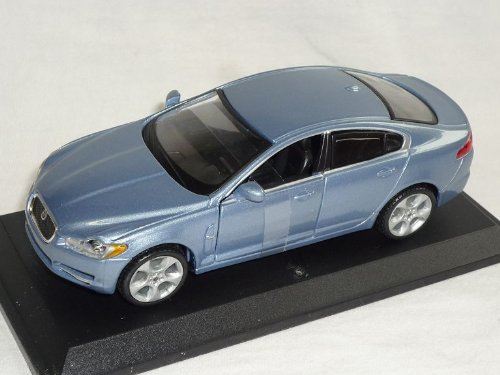 jaguar-xf-silber-blau-1-32-bburago-burago-modellauto-modell-auto