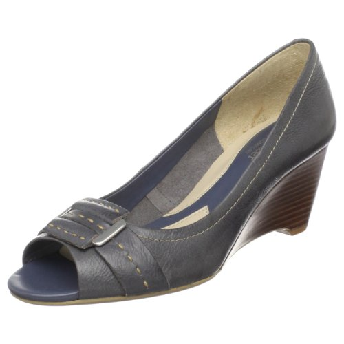 Naturalizer Women's Beata Wedge Pump