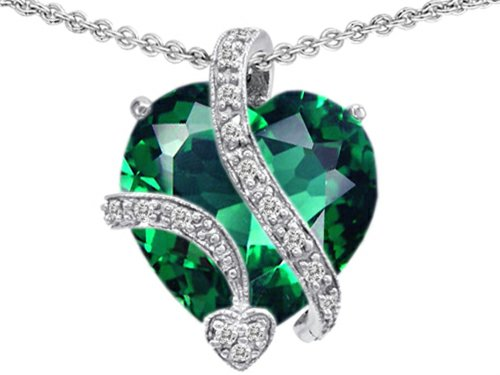 Original Star K(tm) Large 15mm Heart Shaped Simulated Emerald Pendant in .925 Sterling Silver