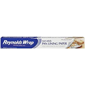 Reynolds Consumer Pan Lining Paper, 30 SF