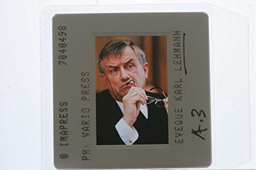slides-photo-of-karl-lehmann-portrait-taking-of-shades