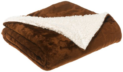LCM Home Fashions Micromink / Sherpa 50-Inch by 60-Inch Throw, Chocolate (Lcm Home Fashions Inc compare prices)