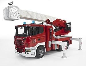 Bruder 3590 - Scania R-Serie Feuerwehrleiterwagen mit Wasserpumpe, Licht und Sound
