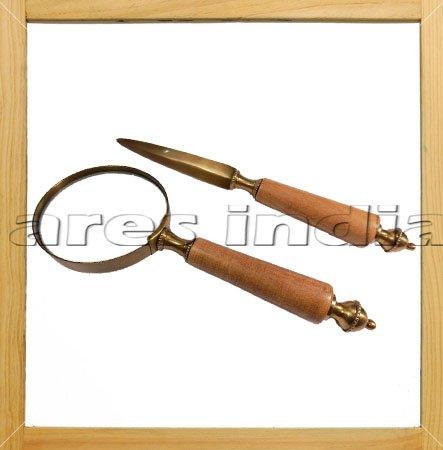 couleur-antique-laiton-et-lettre-en-bois-enveloppe-decapsuleur-loupe-loupe-en-verre-fait-main-bureau