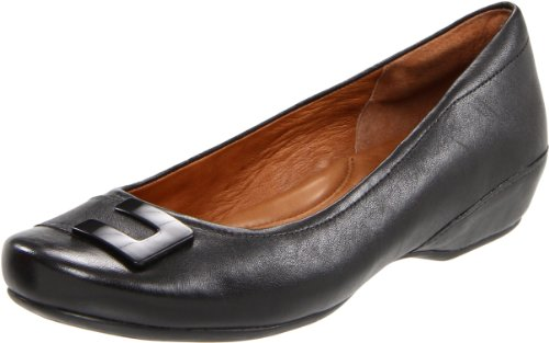 Clarks Women's Concert Choir Flat,Black Leather,6 M US