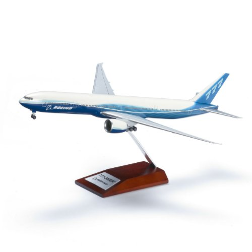 777-300ER Snap-Together Model with Wood Base