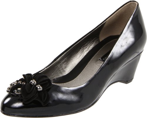 Bandolino Women's Unicity Pump