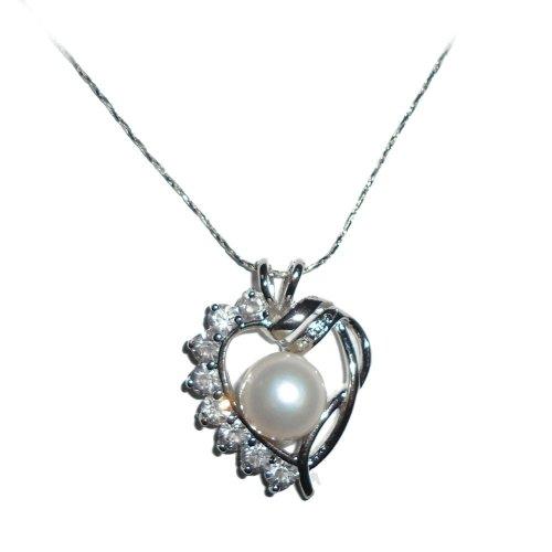 Artistic Heart Pendant with Diamonds