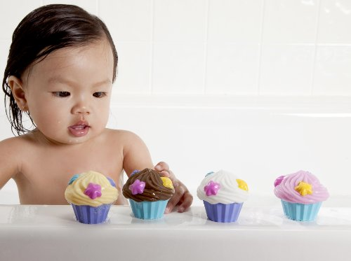 munchkin 4 piece squirts bath toy cupcake toys games toys toys. Black Bedroom Furniture Sets. Home Design Ideas