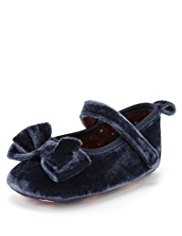 Bow Velvet Pram Shoes