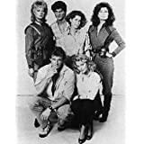JANE BADLER AS DIANA, JUNE CHADWICK AS LYDIA, FAYE GRANT AS DR. JULIE PARRISH, JEFF YAGHER AS KYLE BATES, BLAIR TEFKIN AS ROBIN MAXWELL, MARC SINGER AS MIKE DONOVAN FROM V #1 - BLACK & WHITE Movie Photo - (4 Different Photograph & POSTER Sizes Available)