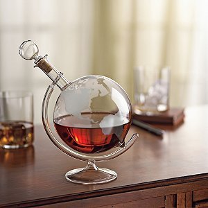 Amazon.com | Wine Enthusiast Etched Globe Spirits Decanter ...