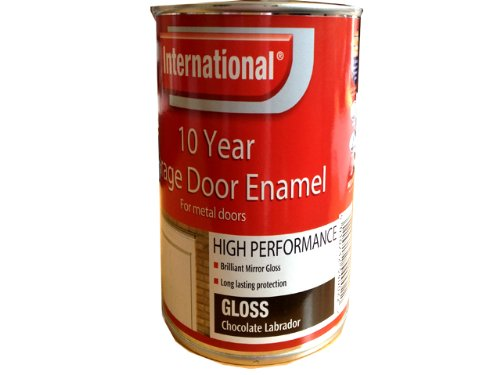 international-10-year-garage-door-enamel-chocolate-labrador-750ml