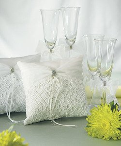 Bridal-Tapestry-Toasting-Set-White