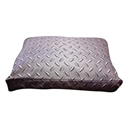 Rectangle Diamond Plate Dog Pillow Size: Medium (30\