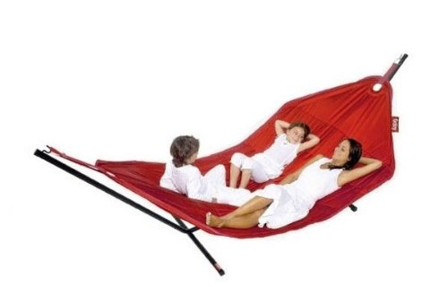 FATBOY Headdemock oversized garden hammock in red with a sturdy stand
