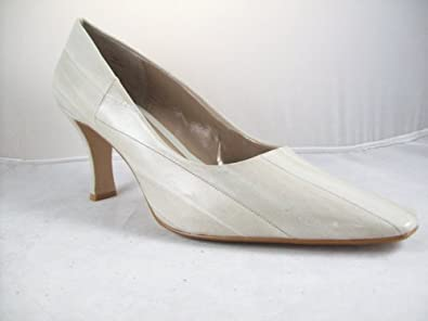 Amazon.com: Moda Spana Women's 'Nella' Pump (13M, Winter White Eel