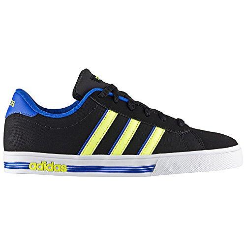 adidas Daily Team, Scarpe indoor multisport uomo Multicolore Negro / Amarillo / Azul (Negbas / Amasol / Azul) 42
