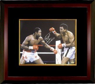 Larry Holmes Autographed/Hand Signed Boxing 16×20 Photo vs Ali w/ Easton Assasin Custom Framed