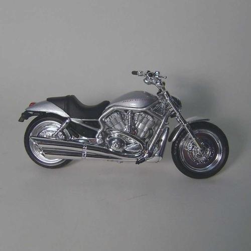 Harley Davidson 2002 VRSCA V-Rod Diecast Motorcycle 1:18