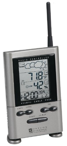 Oregon Scientific BAR122HGA Digital Weather Forecaster with Cable Free Thermo-HygrometerB00006J03E