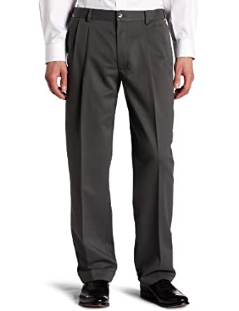 Dockers Men's Comfort Waist Khaki D3 Classic Fit Pleated-Cuffed Pant, Castlerock, 33x32