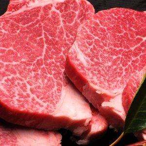 松阪牛 ヒレステーキ 300g(1枚100g×3枚)                    【 お礼 お祝 お中元 お歳暮 引き出物 牛肉 和牛 景品 松坂牛まるよし 】