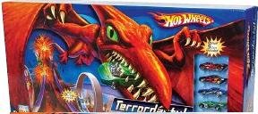 Hot Wheels Terrordactyl Playset with 5 Bonus cars