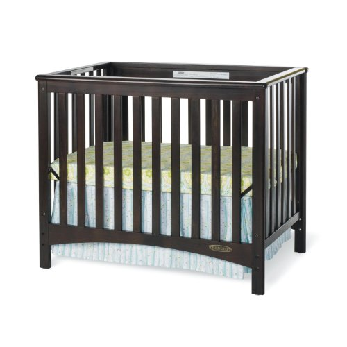 Childcraft London 2-In-1 Convertible Mini Crib