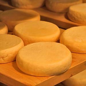 北海道【十勝ブランド認証品】ナチュラルチーズ4点セット 新鮮な牛乳で作った4種類のチーズ 1セット